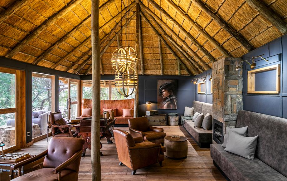 Serra Cafema Lodge Lounge