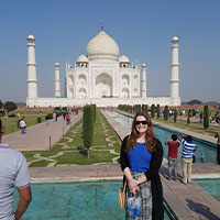 Jess standing in front of the Taj Mahal