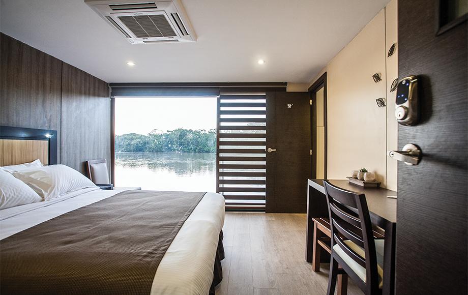 The M/V Anakonda Suite