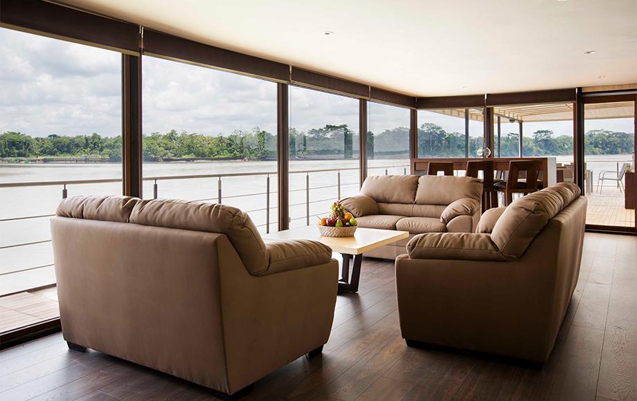 The M/V Anakonda Lounge