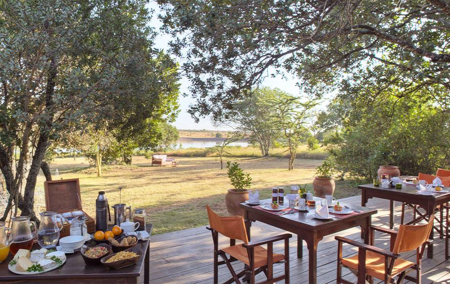 Kicheche Laikipia breakfast outside
