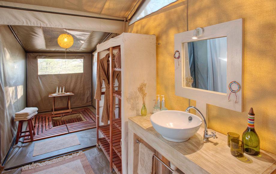 kicheche Bush Camp Bathroom