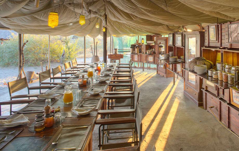 Meno A Kwena Dining Room