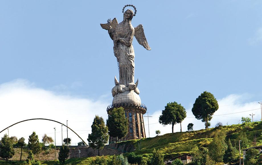 Monument of La Virgen De Panecillo