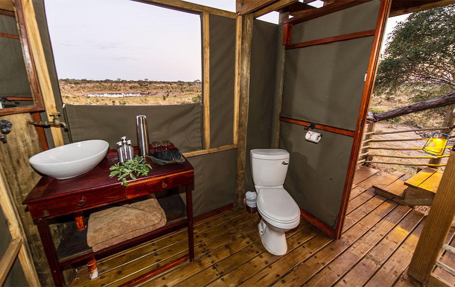 Skybeds Bathroom