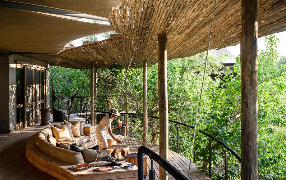 Xigera Lodge dining area