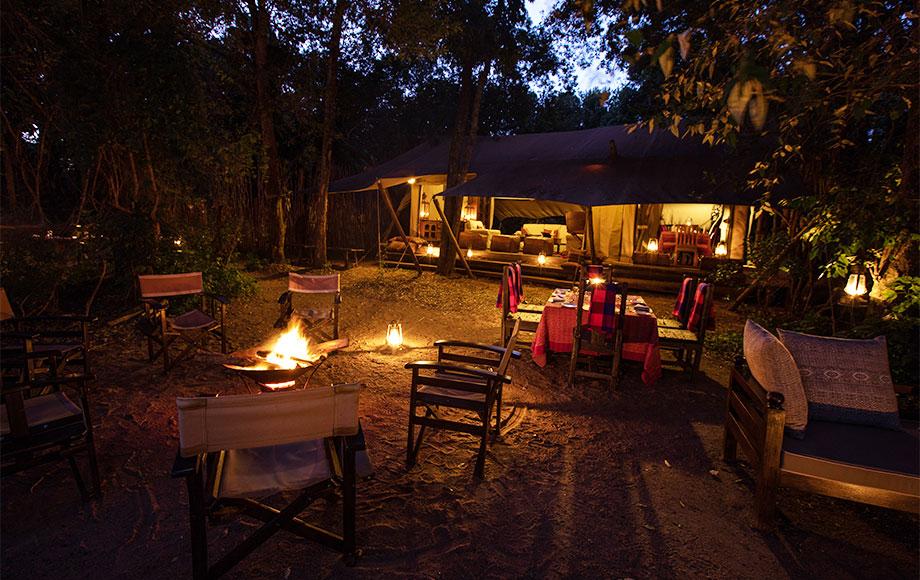 Mara Toto Camp Dining outdoors