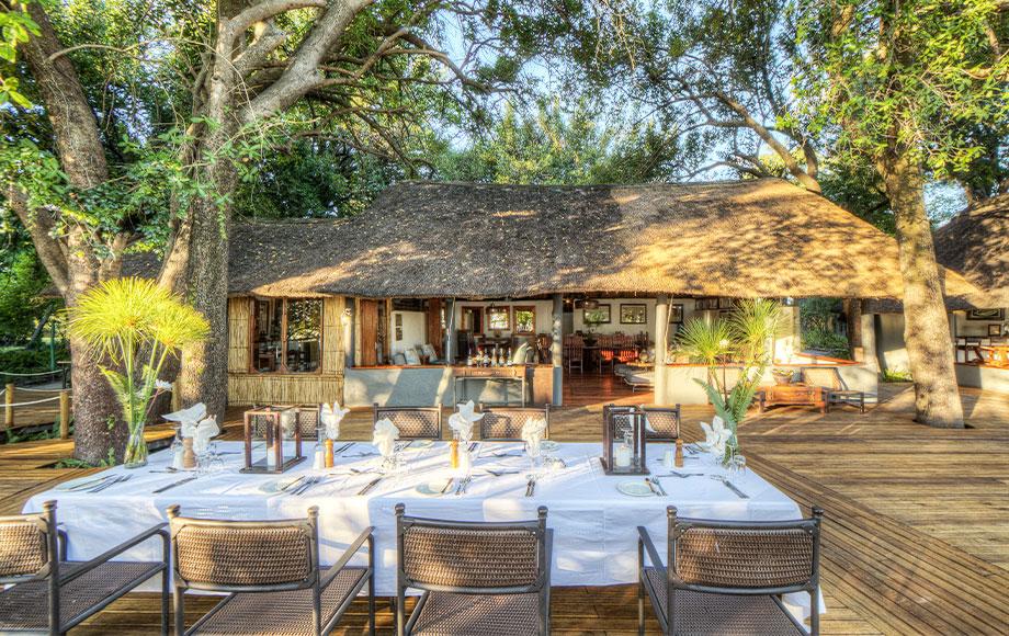 Xugana Island Lodge Dining Area