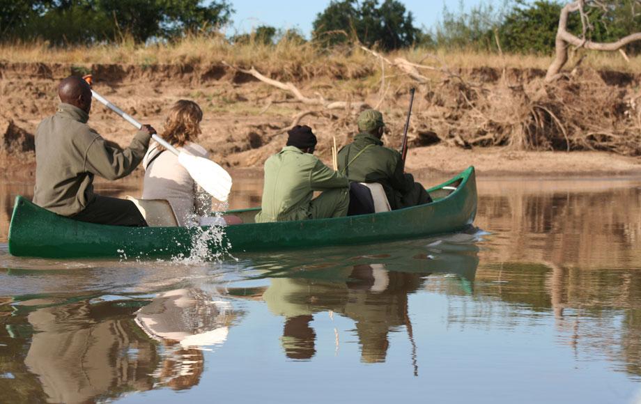 canoeing at Chikoko Trails Camp